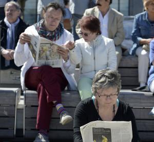 Gut informiert und politisch gebildet, weiß die ältere Generation genau, was sie will. Foto: epd