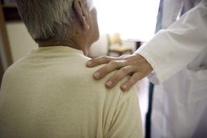 Als chronisch kranker Mensch hat man Anspruch auf besondere soziale Leistungen. Foto: epd