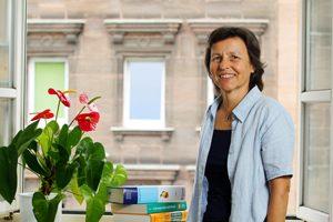 Die Erlanger Ernährungswissenschaftlerin Dorothee Volkert möchte dem Einheitsbrei in Alten- und Pflegeheimen entgegenwirken. Foto: Mile Cindric